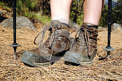 hiking-woman-with-trekking-boots-on-the-trail-thumb25270261[1]